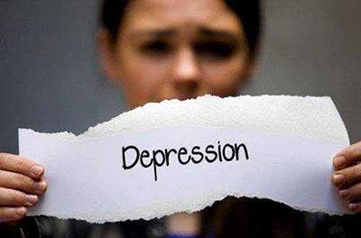 总是不开心?小心类风湿在前,抑郁症在后!